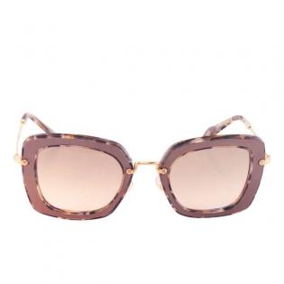 a31ebe817688d Óculos escuros femininos Miu Miu 2353